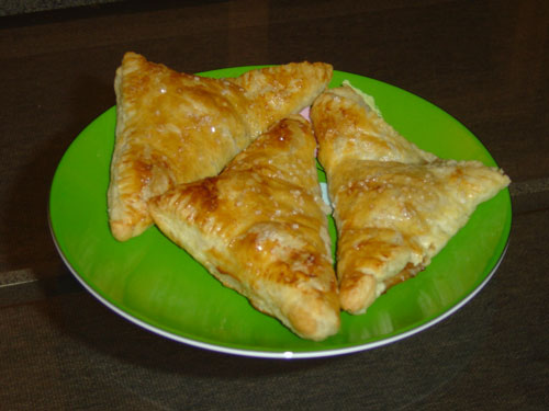 apple_turnovers_on_plate