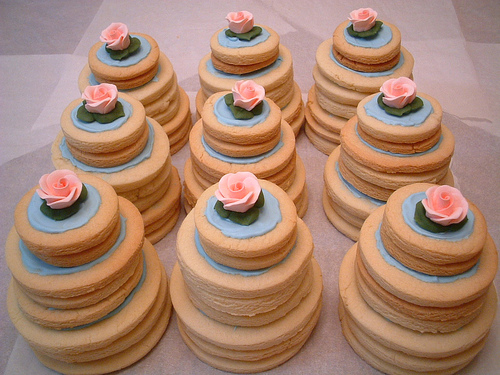 mini-wedding cake cookies