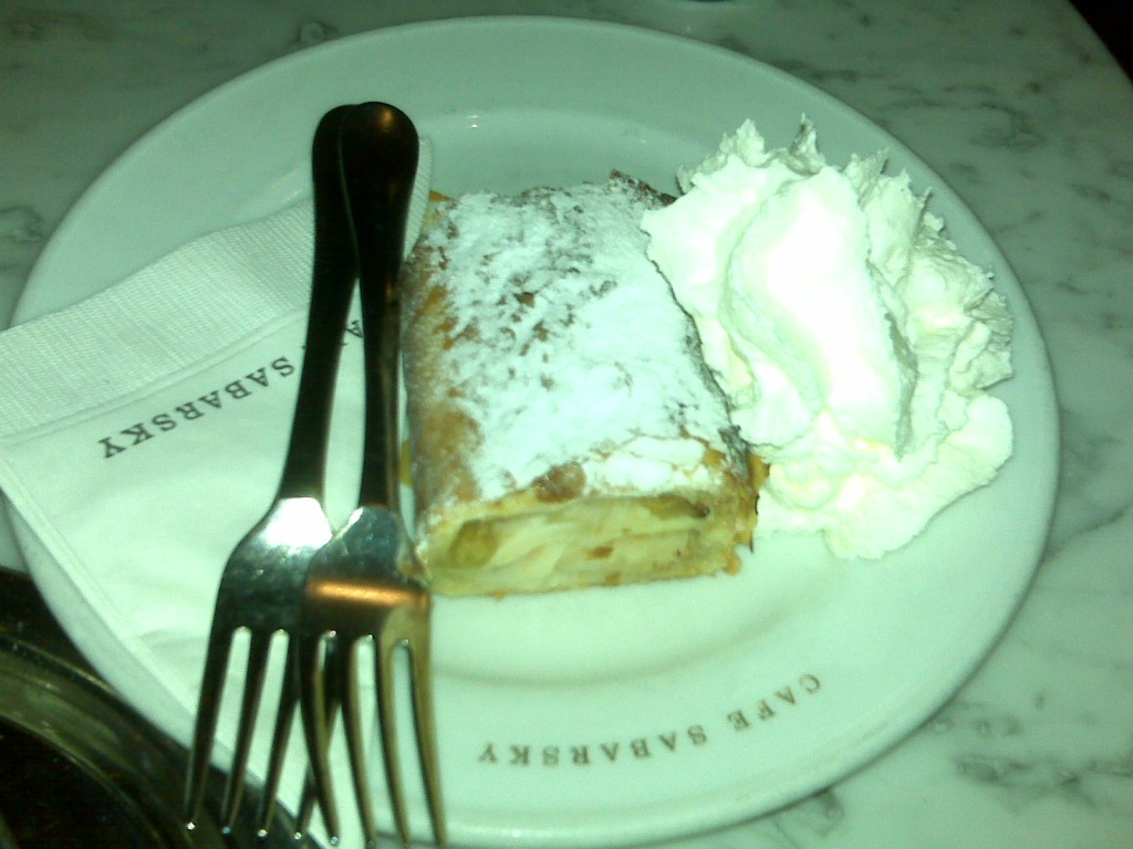 apple-struedel